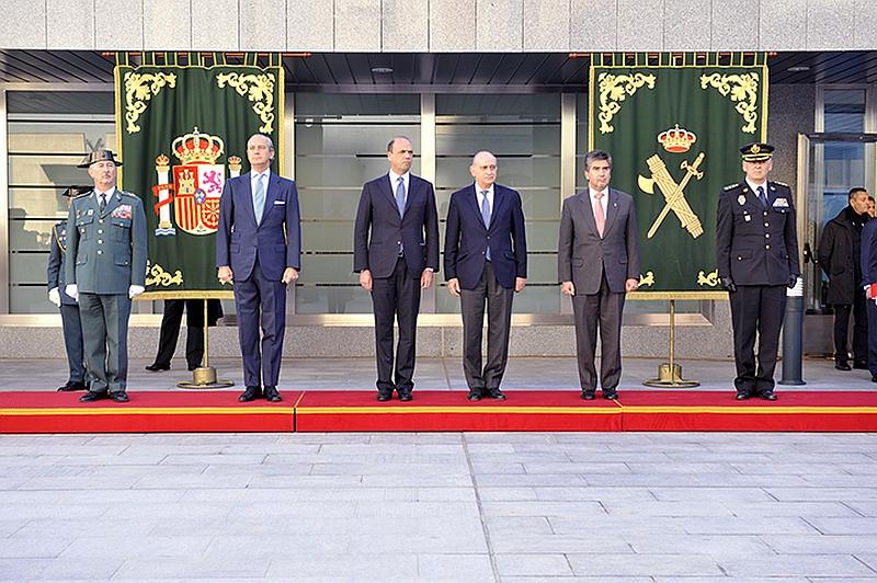 Agrupaci n ahumada amigos de la guardia civil el for Ministros interior espana